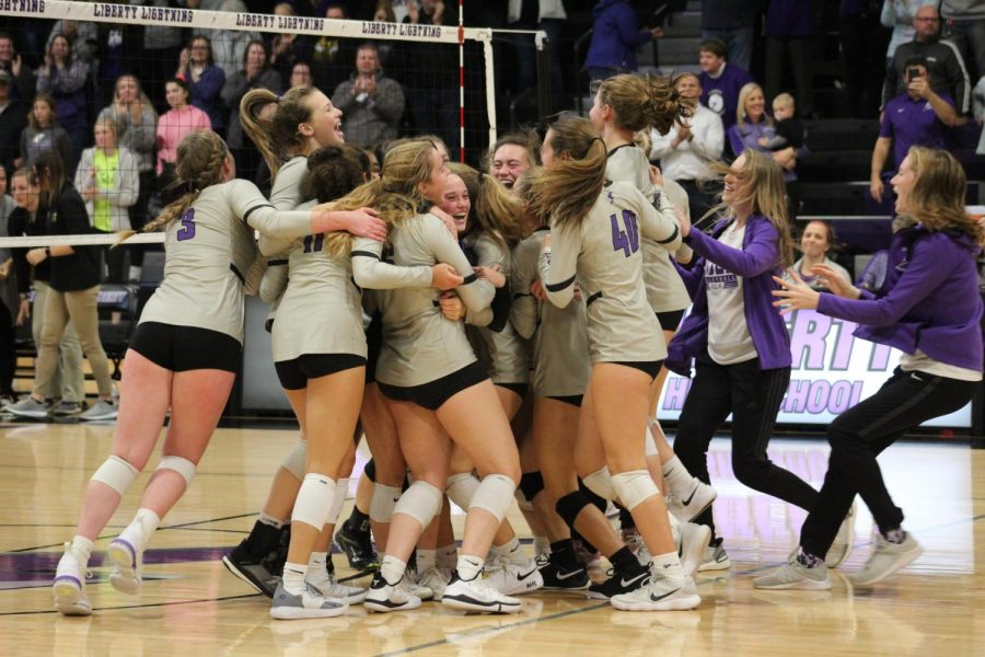 Lightning+Strikes+Again%3A+Volleyball+on+to+State
