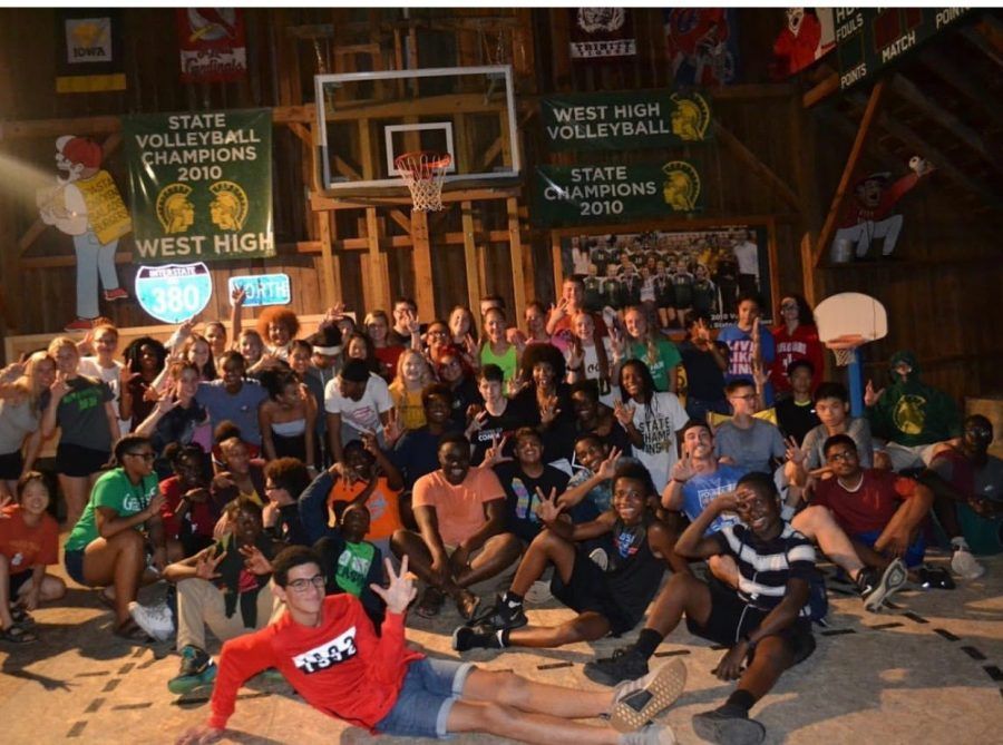 Members of the West-Liberty Young Life pose together.