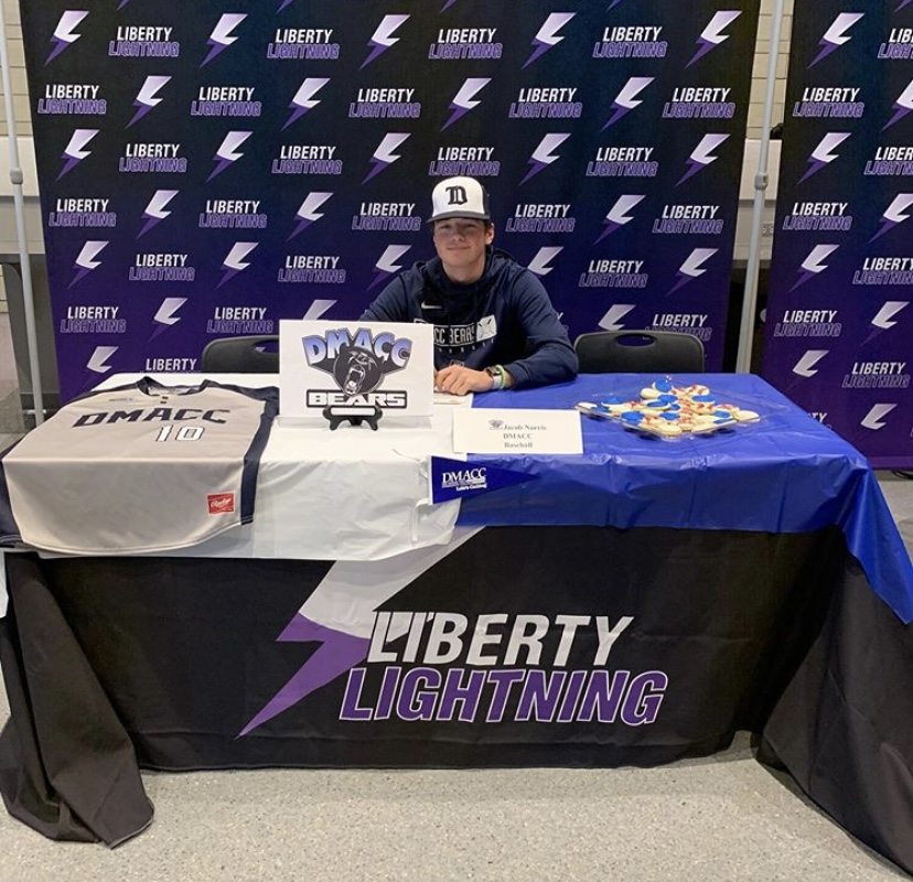Jacob Norris signs to DMACC for baseball on November 13th